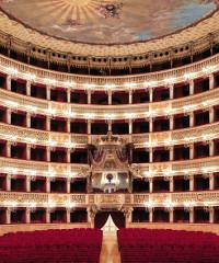 Al Teatro di San Carlo è in scena la