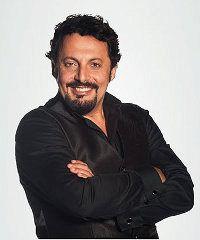 """One-man show di Enrico Brignano in """"Un'ora sola vi vorrei"""""""