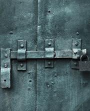 Intrappola. Devi aprire quella porta!