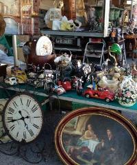 Antiquari in piazza a San Polo D'Enza