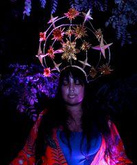 """""""Ritual: Acto II Luz"""", la performance di Rokeya"""
