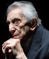 Roberto Herlitzka in scena con