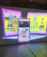 Le opere di Neil Beloufa in mostra all'Hangar Bicocca