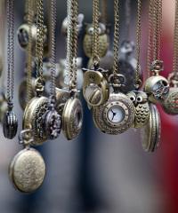 Mercatino di antiquariato in Piazza Diaz