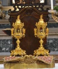 Ostensione Sacri Vasi in Sant'Andrea, una giornata di spiritualità