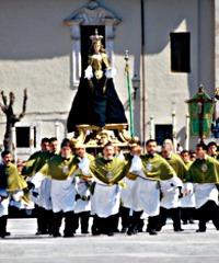 Processione del Cristo morto e la Madonna che scappa