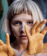 La giovanissima cantante norvegese Aurora arriva a Roma