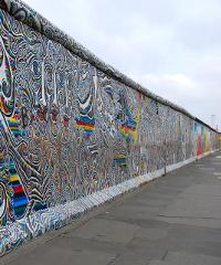 Presentazione del libro di Saverio Simonelli sul Muro di Berlino