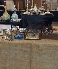 Modernariato, vintage, creatività e riciclo: il mercatino di Pavia