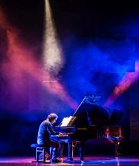 The world of Remo Anzovino: concerto per pianoforte e archi