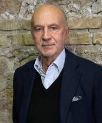 Antonio Calenda dirigerà la commedia