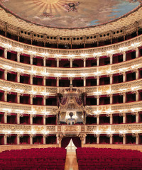 Tour virtuale all'interno del Teatro San Carlo di Napoli