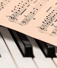 Emanuil Ivanov in concerto al pianoforte