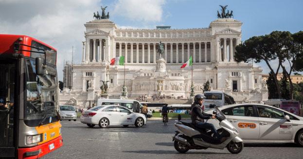 Come sopravvivere al traffico di Roma