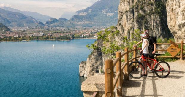 "Arriva ""Garda by bike"", la pista ciclabile più bella d'Europa"