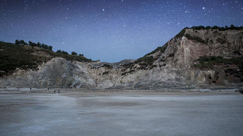 Solfatara di Stelle: viaggio notturno nel vulcano di Pozzuoli