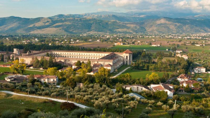Siti sacri minori: la maestosa Certosa di Padula