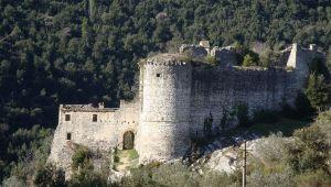 Lo strano destino dei castelli gemelli di Rocchette e Rocchettine