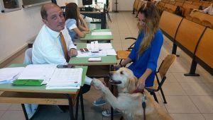 Ansia da esame? Niente paura, all'università di Teramo c'è la pet-therapy