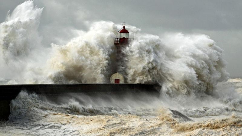 Rischio Tsunami in Italia: a Taranto il primo studio sugli effetti delle mareggiate anomale