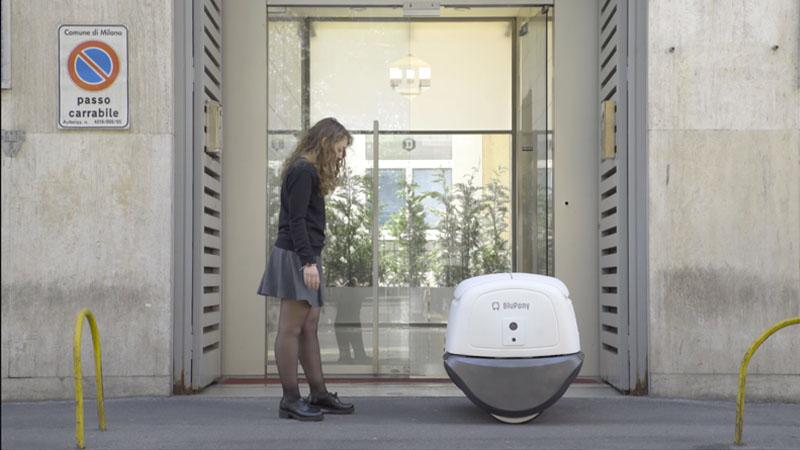 Yape, il fattorino robot consegna pacchi a Cremona