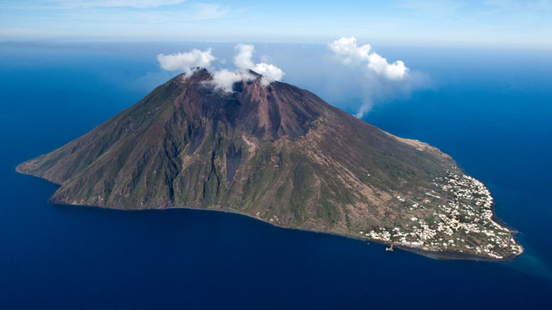 Scoperti nel mar Tirreno 7 nuovi vulcani