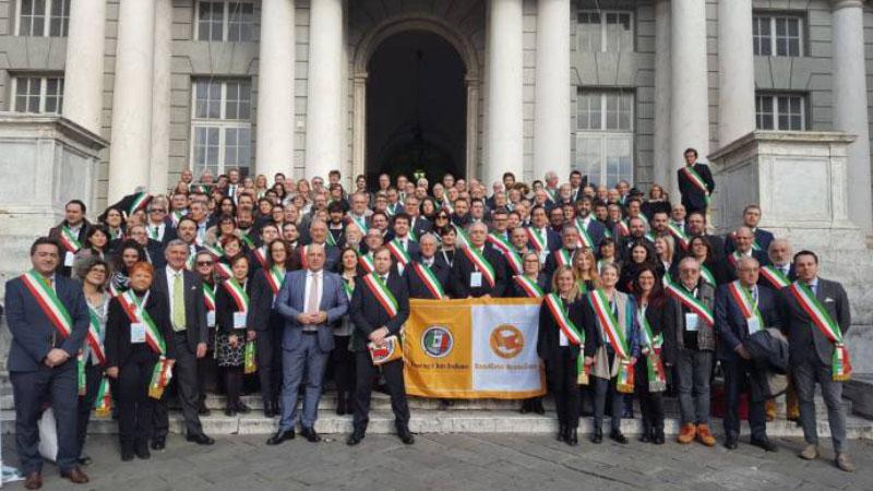 Touring Club premia i borghi più belli con la bandiera arancione