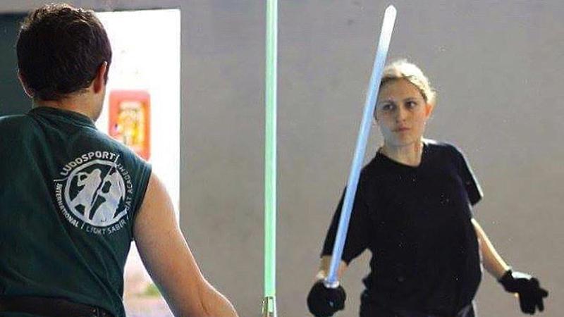 A Varese la prima scuola per armeggiare spade laser come in Star Wars