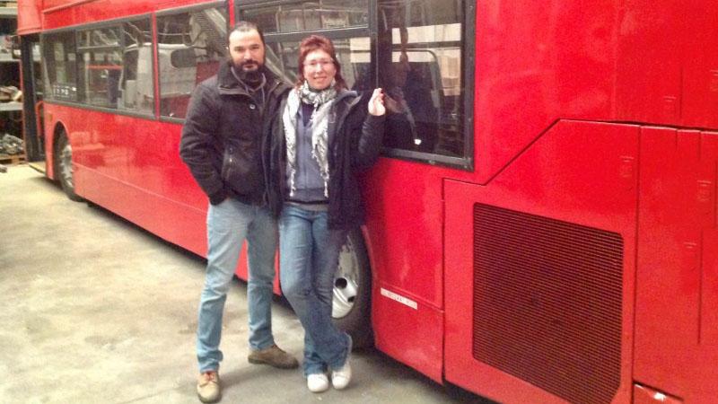 Dennis, il bus inglese diventa libreria itinerante