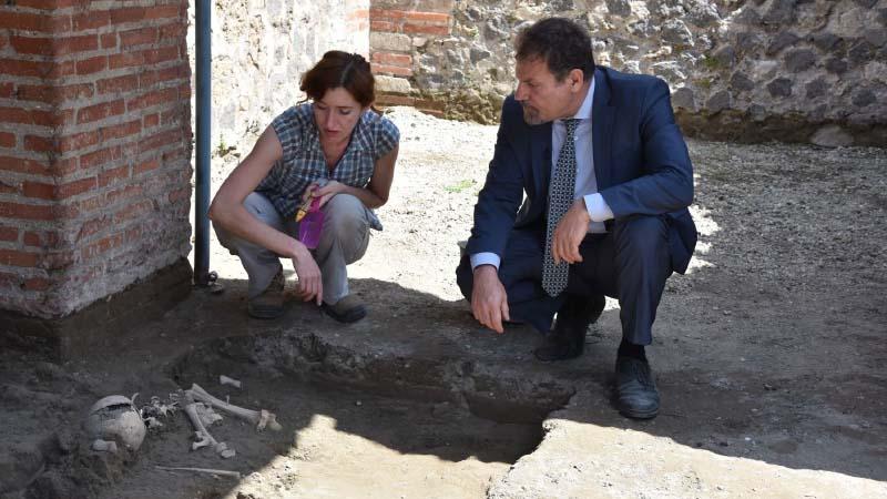 Ritrovato a Pompei scheletro di un bambino, al via le analisi