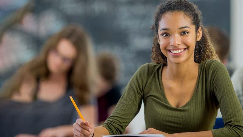 Scuola assegni ai ragazzi bravi a scuola