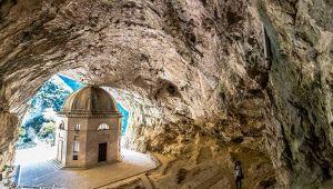 Il Tempio di Valandier la chiesa incastonata nella roccia