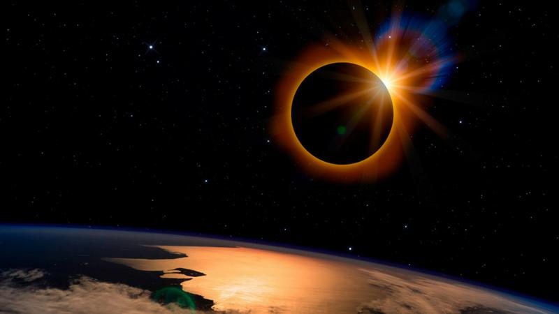 Notte rossa Luna Marte Ventimiglia