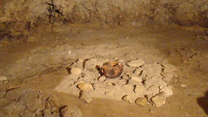 In viaggio nella preistoria: riapre ai visitatori la grotta dell'uomo di Neanderthal