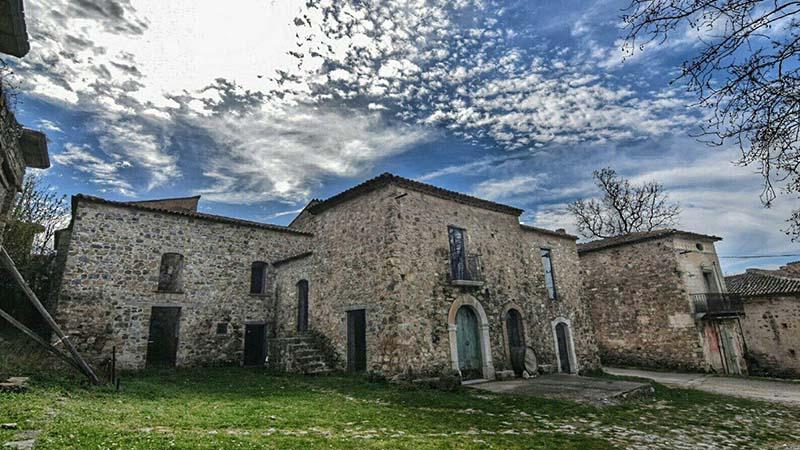 Roscigno Vecchia, il paese fantasma con un solo abitante