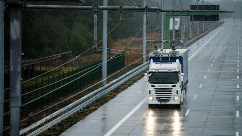 In Lombardia le prime autostrade elettrificate d'Italia