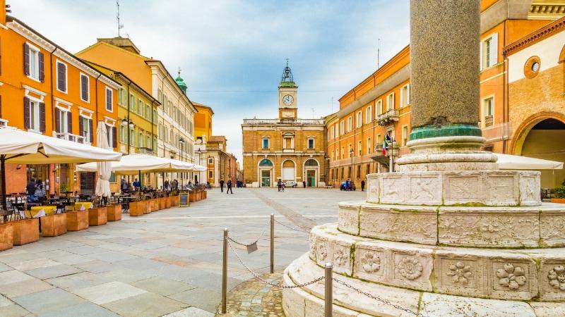 Ravenna per Dante piazza
