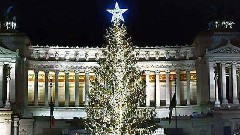Albero Di Natale Roma 2020.A Roma L Albero Di Natale E Targato Netflix
