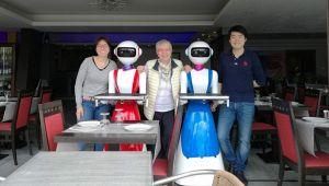 I camerieri sono robot: succede in un locale di Rapallo