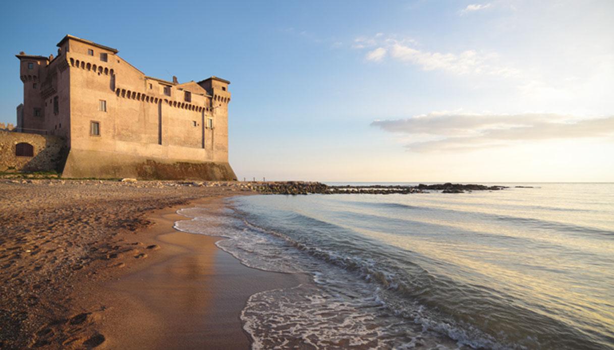 Il Time consiglia di dormire al Castello di Santa Severa