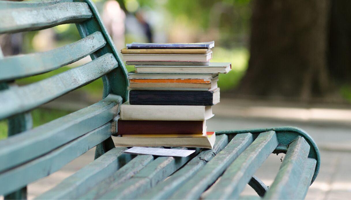 A Napoli, la prima libreria pubblica all'aperto con libri gratis