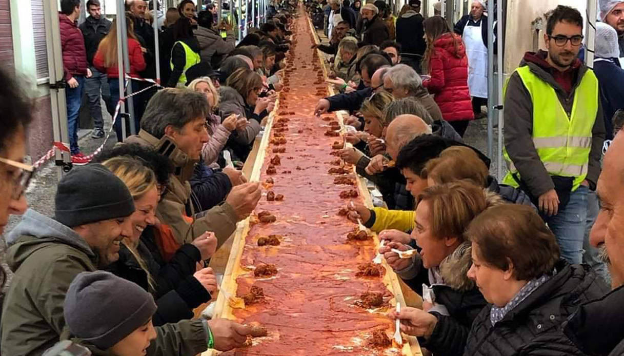 In Abruzzo una polenta da record per entrare nel Guinness