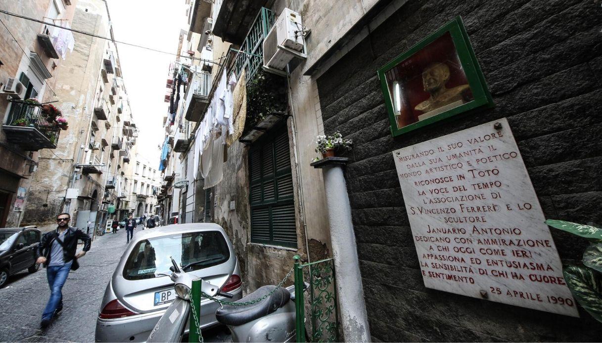 Napoli, la casa di Totò cade a pezzi