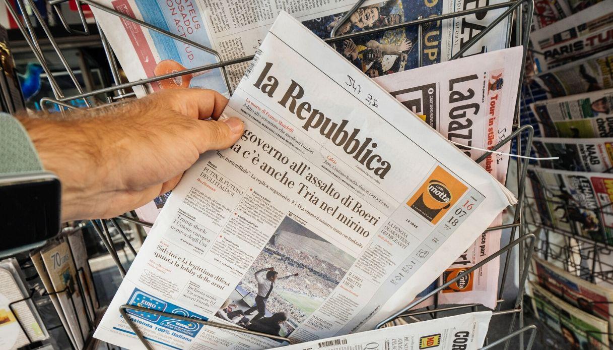 Quisco, l'Ape che vende i giornali a Milano come edicola mobile