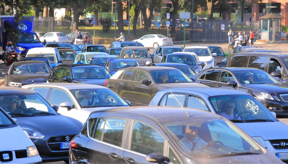 Roma seconda città al mondo per ore nel traffico: la classifica