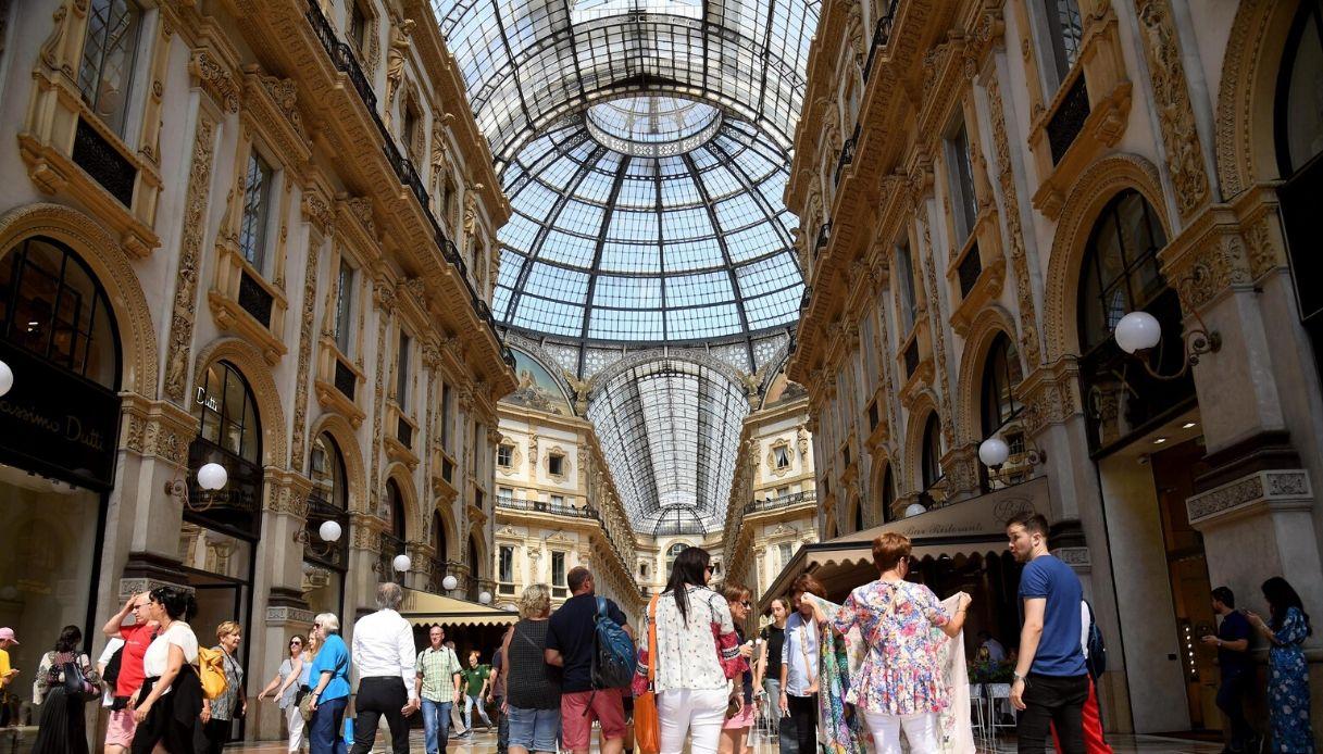 Milano, asta record in Galleria: la spuntano Fendi e Dior