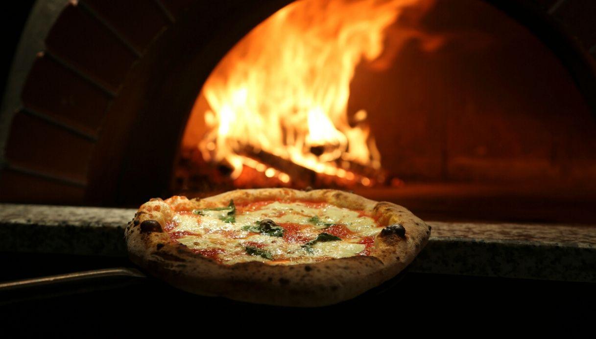 Pizza Margherita: le 20 migliori a Napoli e provincia