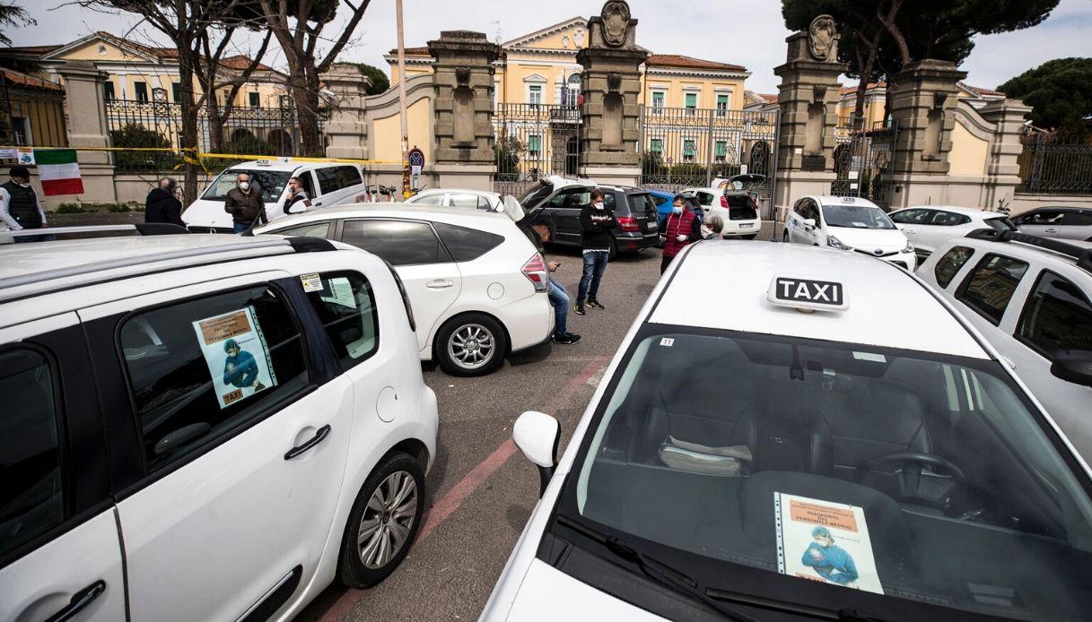Coronavirus, a Roma corse gratis sui taxi per i medici