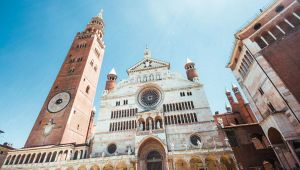 A Cremona l'ombra dei Templari: scoperta tomba con croci rosse