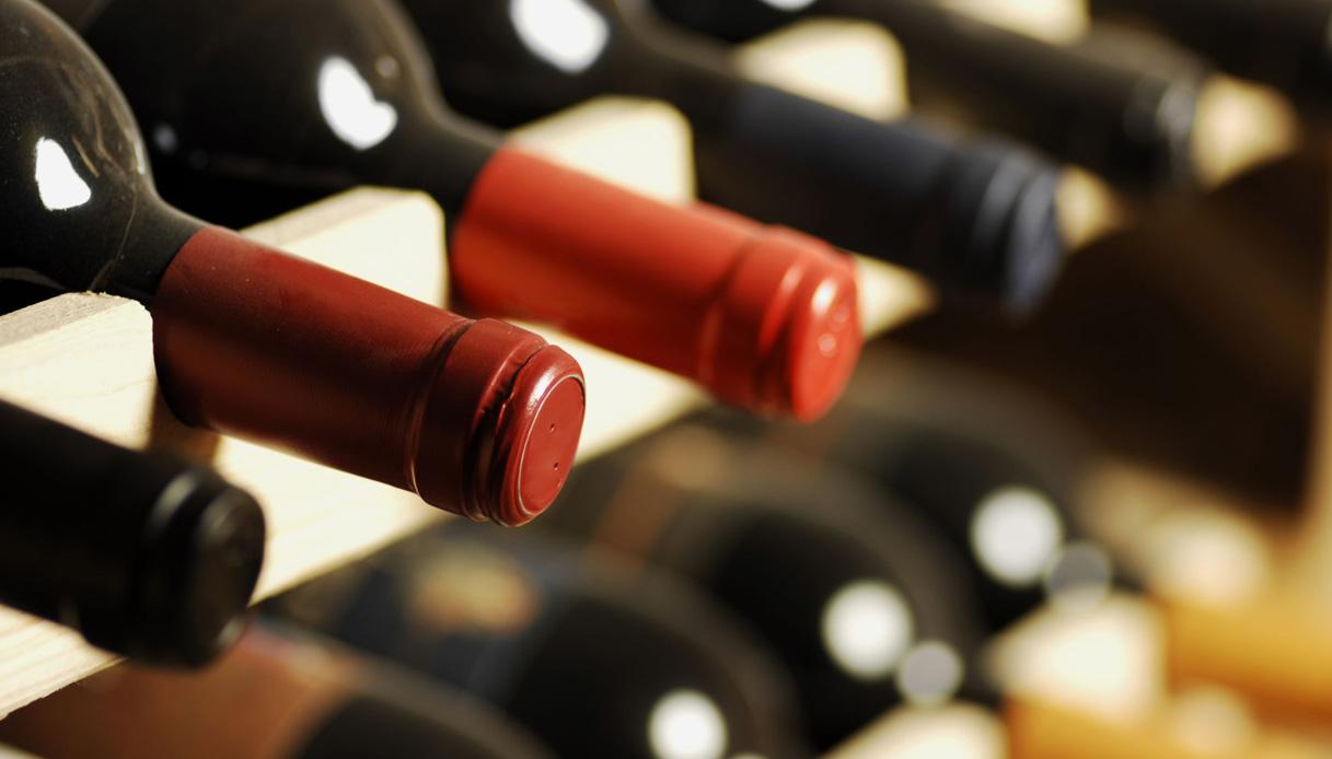 Coronavirus, igienizzante da vino in giacenza: l'idea italiana
